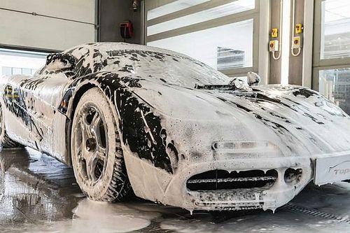 Így kell mosni egy 6,5 milliárdot érő McLaren F1-et