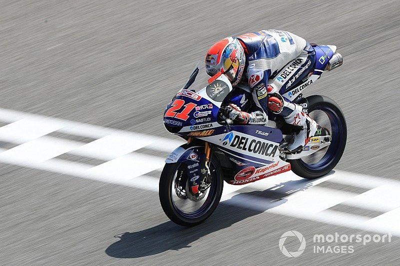Moto3, Buriram, Libere 3: Di Giannantonio vola, ancora indietro Martin