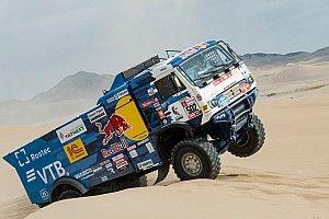 Экипаж Мардеева снялся с «Дакара», в гонке осталось два КамАЗа