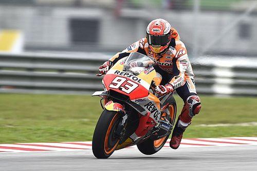 Valentino ci crede, ma cade a 4 giri dalla fine e in Malesia vince ancora Marquez