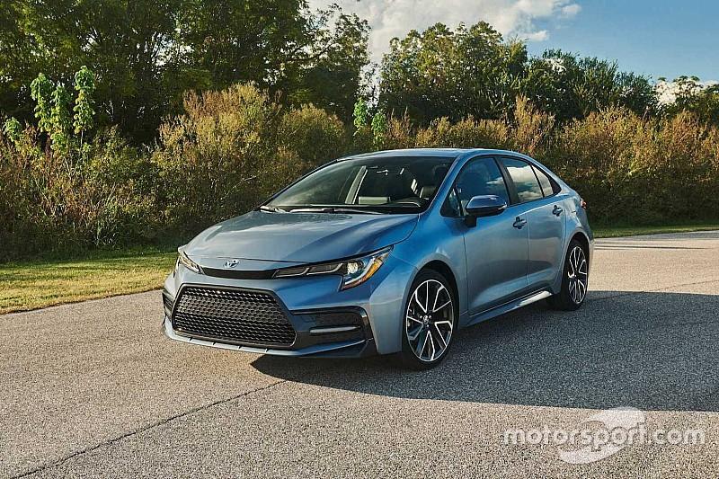 Toyota офіційно представила новий седан Corolla