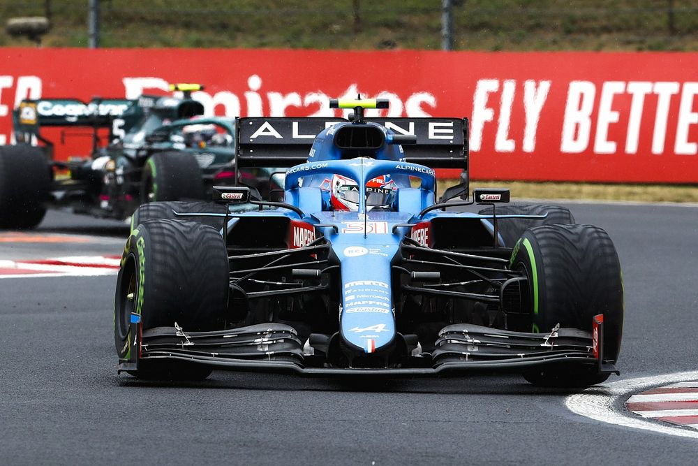 Ocon wint bizarre GP van Hongarije, Verstappen tiende na startcrash
