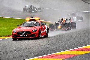 F1-update: Verstappen wint verregende anticlimax op Spa-Francorchamps