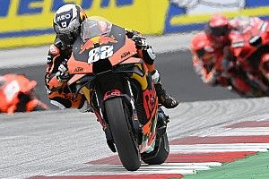 Des trous dans un pneu ont provoqué l'abandon d'Oliveira