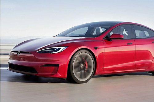 Tönkremehet a régi Tesla Model S, ha esőben vezetjük