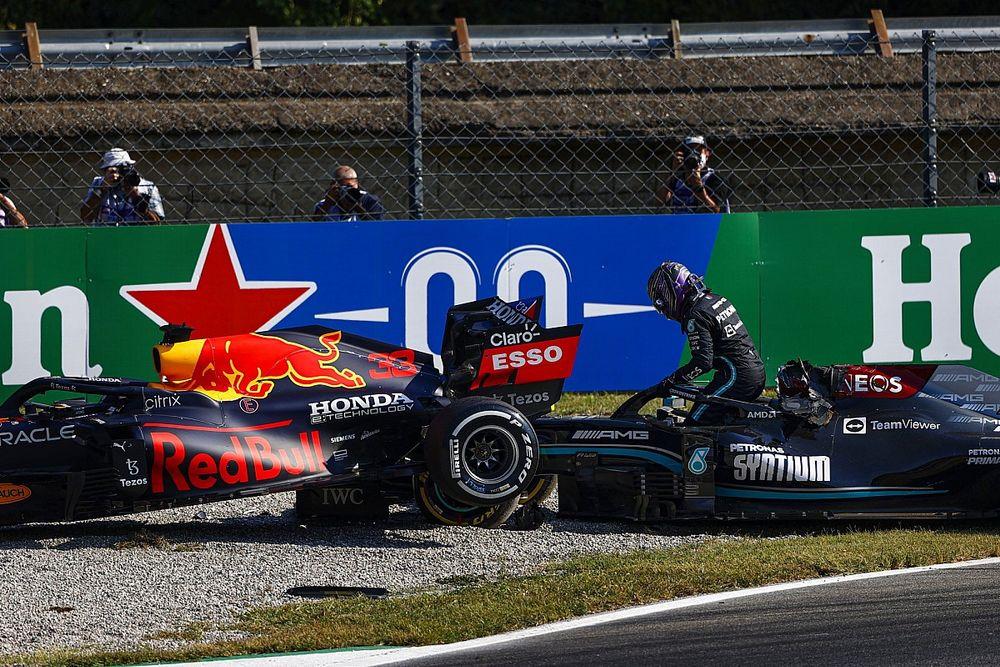 """Verstappen: """"Gereksiz bir kazaydı"""""""