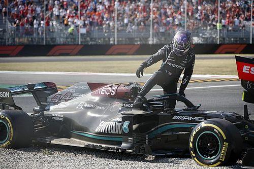 """Hamilton over Monza-crash: """"Verstappen wist hoe het af zou lopen"""""""
