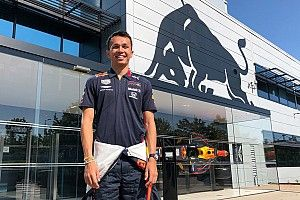 Albon al primo giorno in Red Bull Racing