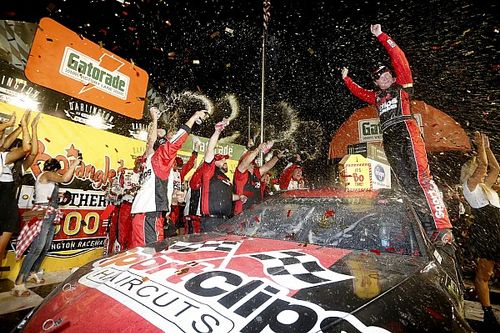 Erik Jones out-duels Kyle Busch for Southern 500 victory