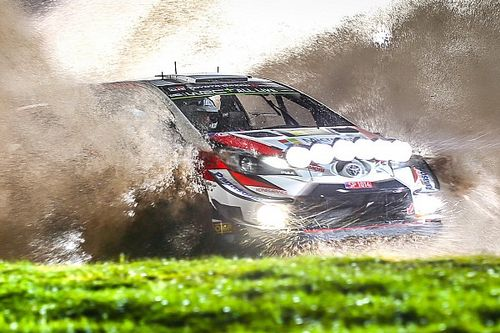 WRC, Rally Galles, PS10: Tanak domina al buio e va in testa!