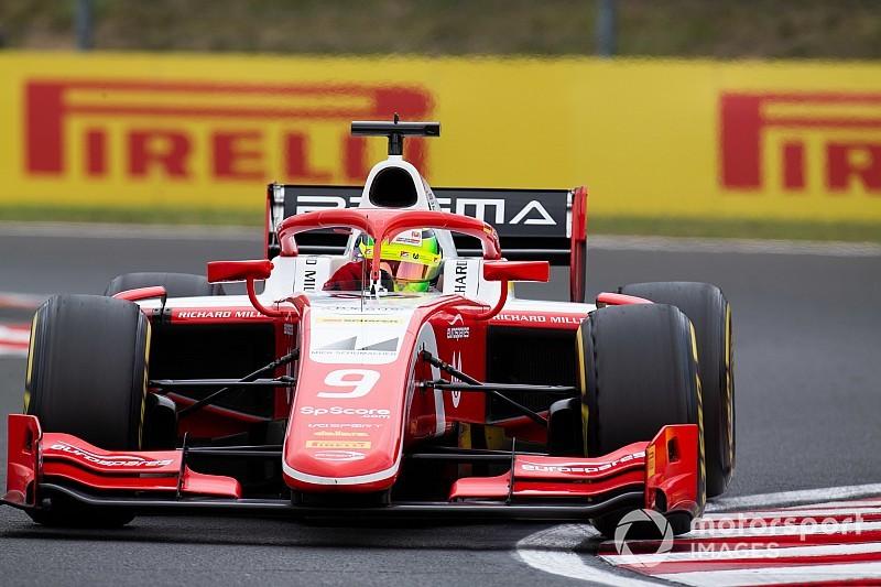 Мик Шумахер впервые выиграл гонку Формулы 2