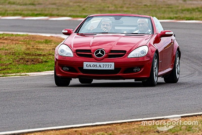 Madras Motor Race Track evaluating reverse-direction races
