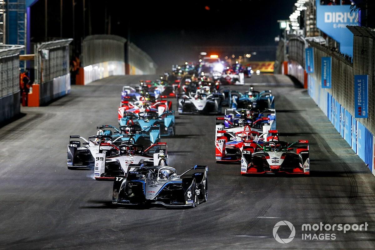 De Vries domineert in Riyadh en pakt eerste Formule E-zege - Motorsport.com Nederlands
