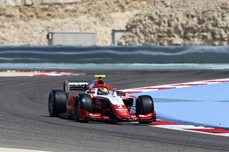 Oscar Piastri nyerte az eseménydús második bahreini sprintfutamot!