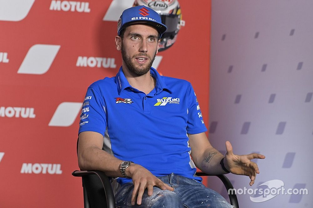 Rins to evaluate shoulder operation after MotoGP season ends