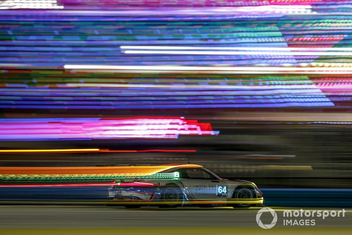 Las espectaculares fotos del atardecer y la noche de las 24h de Daytona