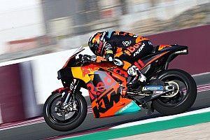 KTM tiene 18 días para afinar un motor que no ha impresionado en Qatar