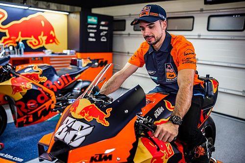 KTM se aprovechará de que tendrá una moto nueva y el resto no, dice Oliveira