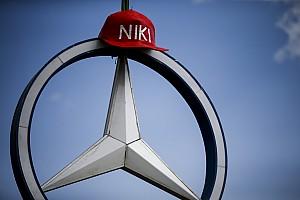 Lauda családja nem tartja meg a Mercedes-részvényeket