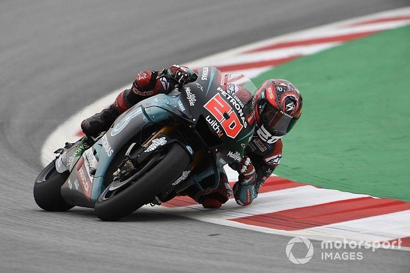 MotoGP, Barcellona, Libere 2: Quartararo beffa Dovizioso in extremis