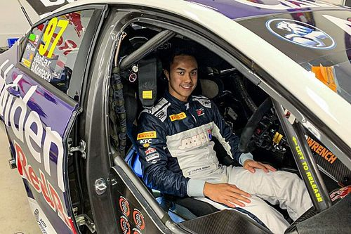 Former F1 tester impresses on Supercars debut