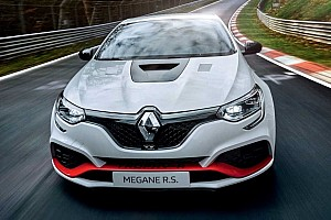 Renault Megane RS Trophy-R sets Nürburgring record for front-wheel-drive production cars