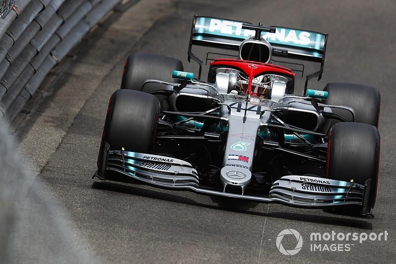 Leclerc már a Q1-ben kiesett, Hamiltoné lett a pole Monacóban!