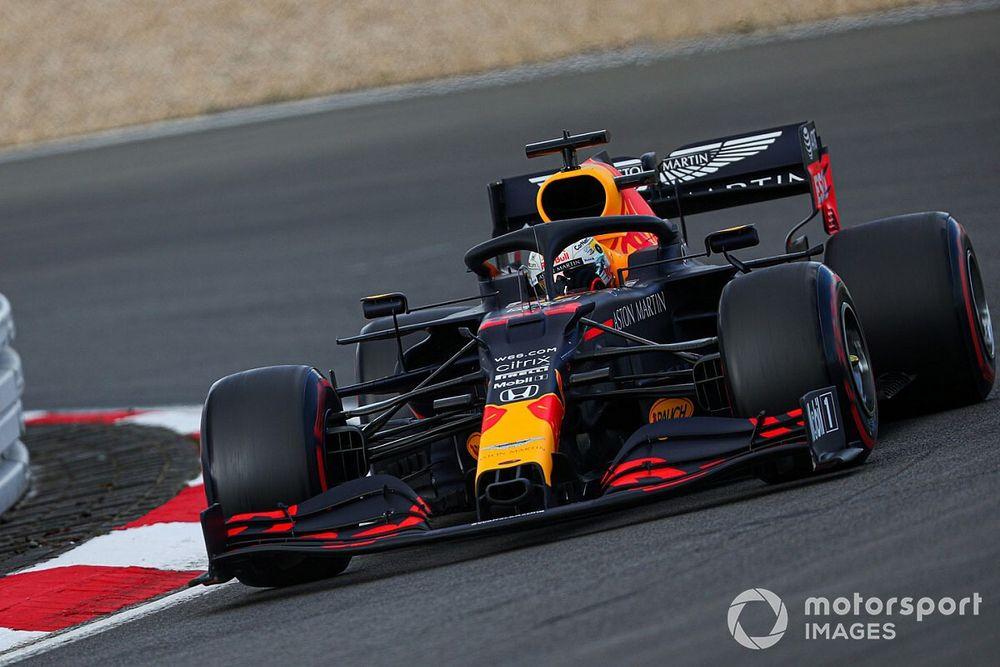 """Hamilton houdt slag om de arm: """"Red Bull stuk sneller na upgrade"""""""