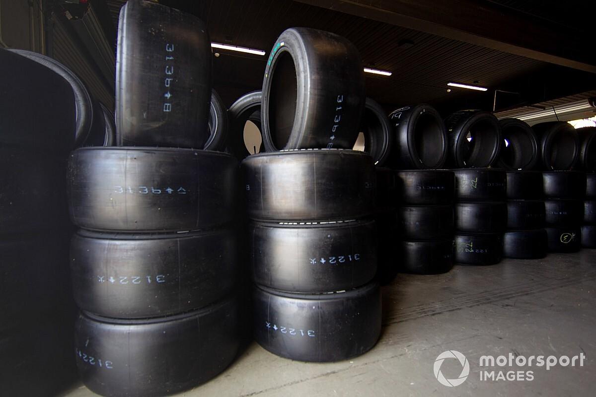 Supercars dumps mixed compound rounds