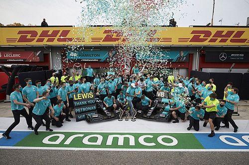 Hamilton dominuje bardziej niż Schumacher