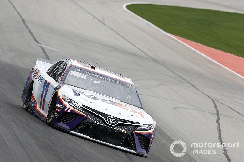 Denny Hamlin uses pit strategy to take Stage 2 win at Texas
