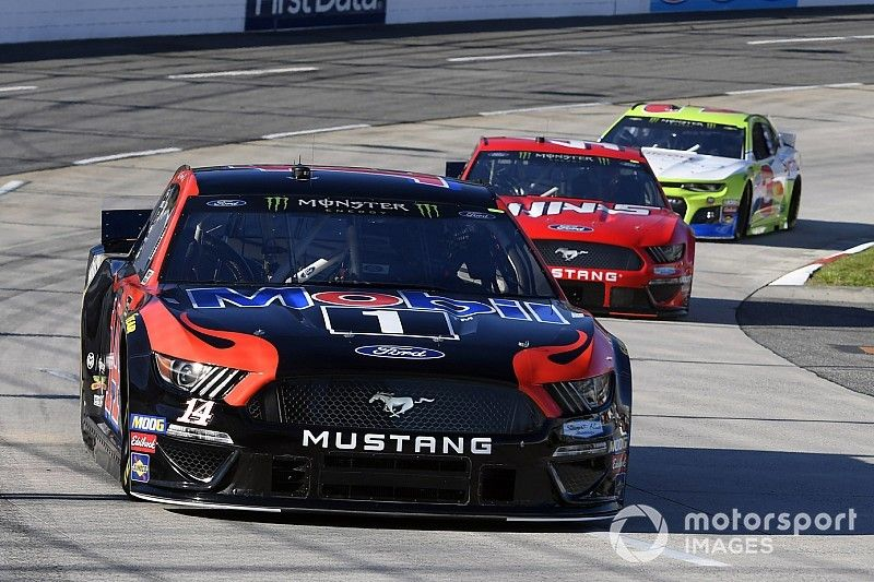 """Clint Bowyer on Martinsville rally: """"We kept beating ourselves"""""""