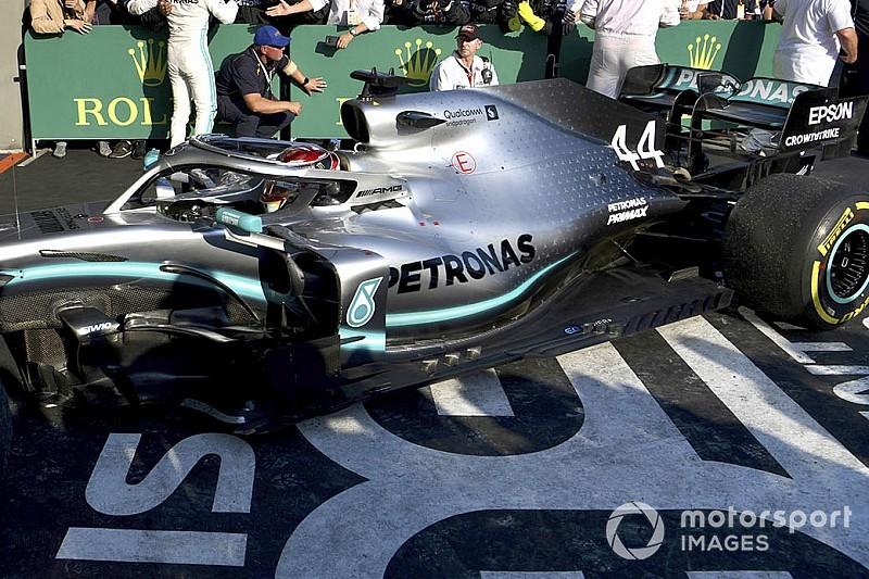 FOTOS: O dano no assoalho de Hamilton no GP da Austrália