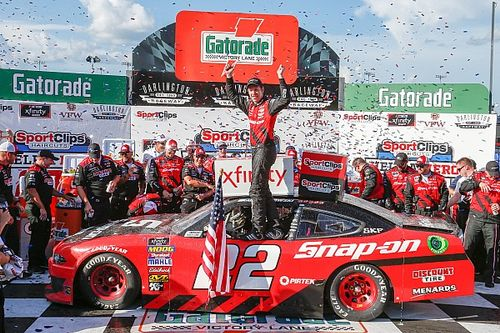 Brad Keselowski takes win in wild Xfinity race at Darlington