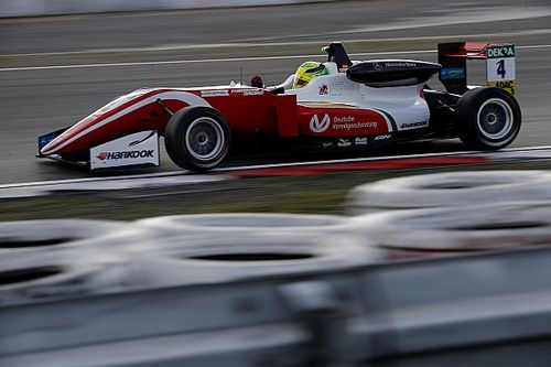 Nurburgring F3: Schumacher bolsters title hopes with win