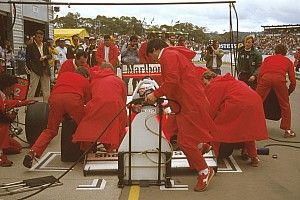 How the 1986 Australian GP played out in the pitlane
