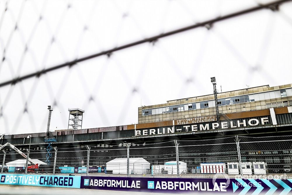 Formula E paddock holds a minute's silence in Berlin