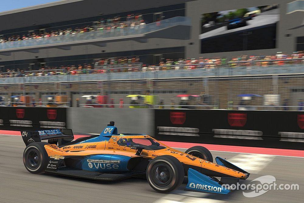Norris trabaja con su ingeniero de F1 para el simracing
