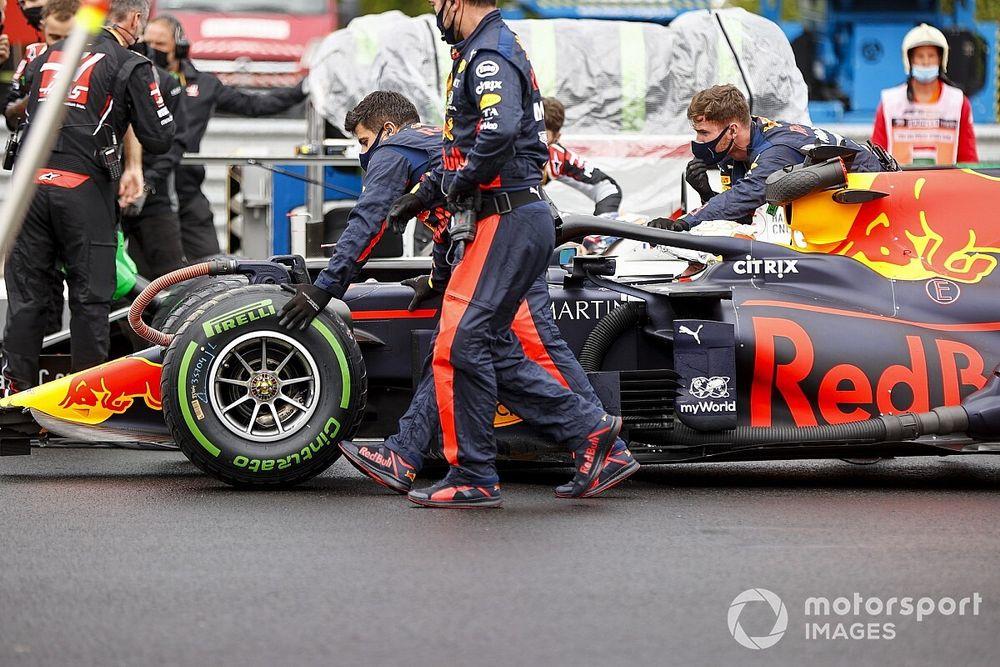 Механики Red Bull спасли болид, разбитый за 20 минут до старта. На решетке машине сделали рентген