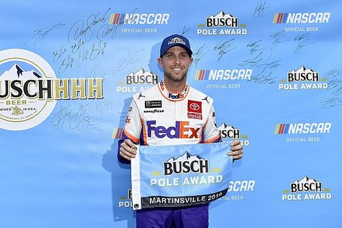 Denny Hamlin takes pole position at Martinsville