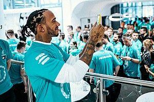 """Hamilton fala de idolatria a Nelson Mandela e diz que quer trabalhar pela """"diversidade no esporte"""""""