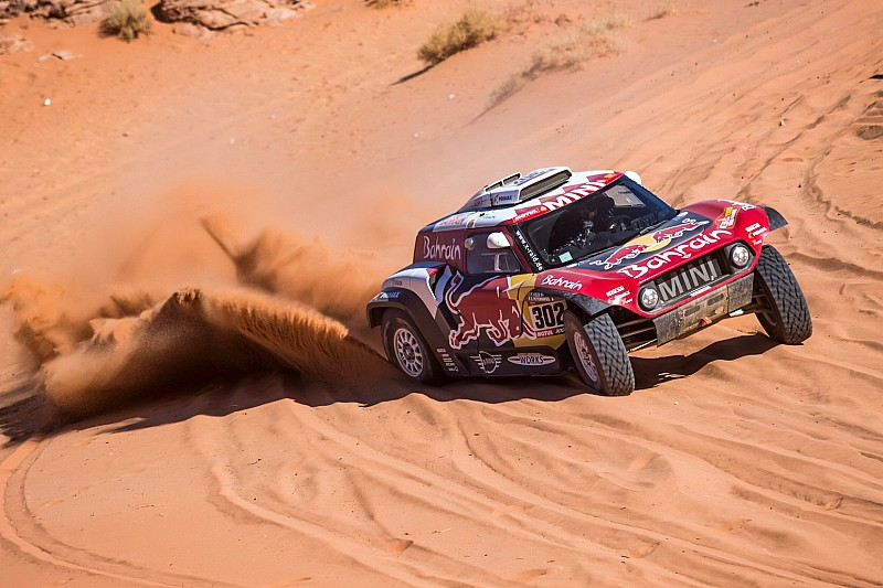 Dakar, Auto, Tappa 4: MINI vola anche con Peterhansel