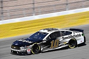 Aric Almirola, sponsor Smithfield will return to SHR in 2021