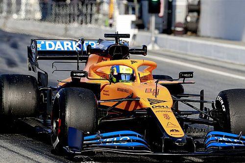 McLaren prêt à courir après une préparation d'équilibriste