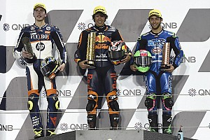 "Moto2カタール決勝:長島哲太、""親友""富沢祥也が勝った地で悲願の初優勝"