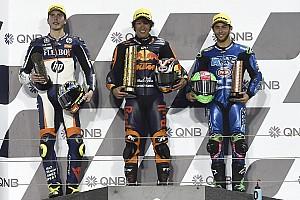 Гонщик Red Bull выиграл этап Moto2 в Катаре при старте с 14-го места