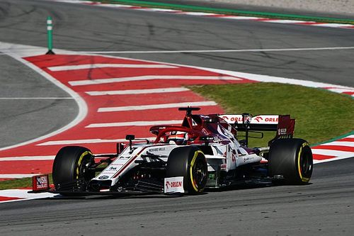 Raikkonen deja a Pérez sin el primer lugar