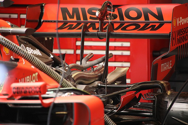 Ferrari: lo scarico wastegate adesso ha le corna