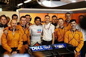 Érzelmes videóval mond köszönetet a McLarennek a Ferrarihoz szerződött Sainz