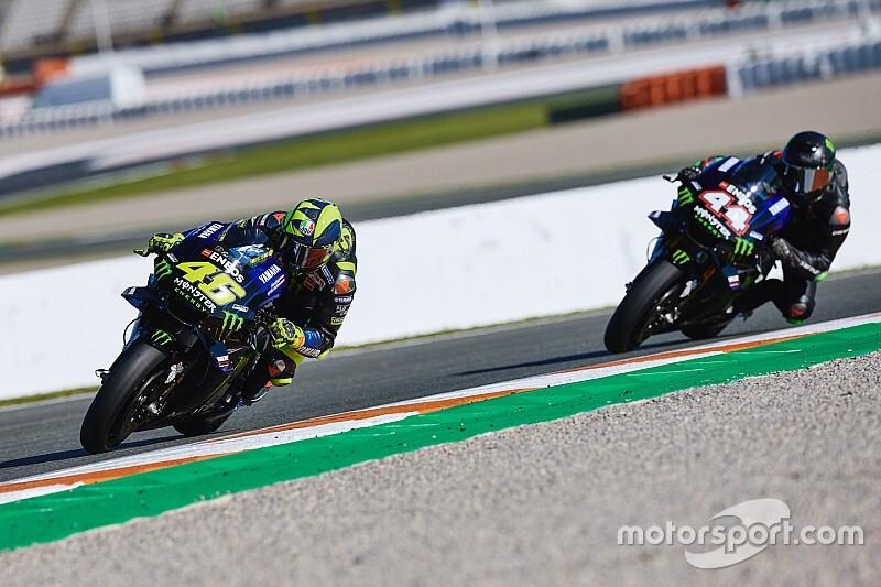 In beeld: Hamilton en Rossi wisselen van materiaal in Valencia
